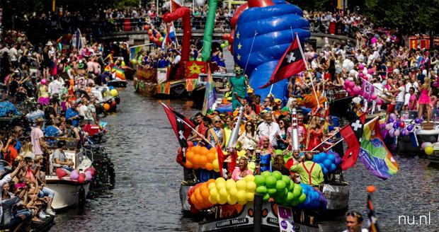 In hetzelfde schuitje op de Canal Pride